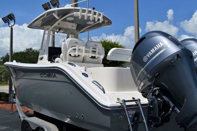 Thumbnail 3 for New 2019 Cobia 280 Center Console boat for sale in Vero Beach, FL