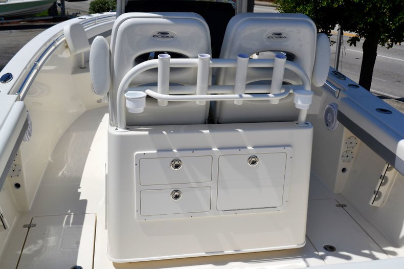 Thumbnail 11 for New 2019 Cobia 280 Center Console boat for sale in Vero Beach, FL