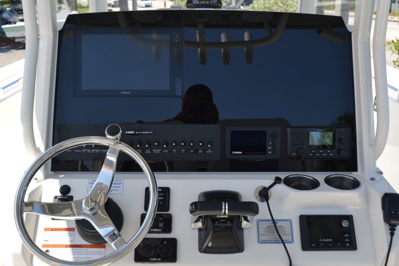 Thumbnail 12 for New 2019 Cobia 280 Center Console boat for sale in Vero Beach, FL