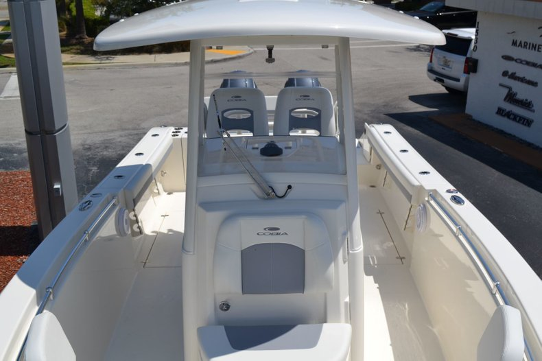 Thumbnail 16 for New 2019 Cobia 280 Center Console boat for sale in Vero Beach, FL