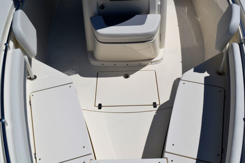 Thumbnail 17 for New 2019 Cobia 280 Center Console boat for sale in Vero Beach, FL