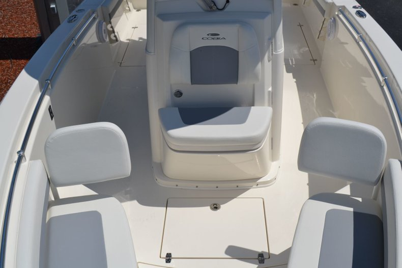 Thumbnail 21 for New 2019 Cobia 280 Center Console boat for sale in Vero Beach, FL