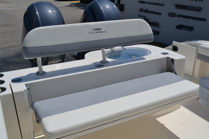 Thumbnail 24 for New 2019 Cobia 280 Center Console boat for sale in Vero Beach, FL