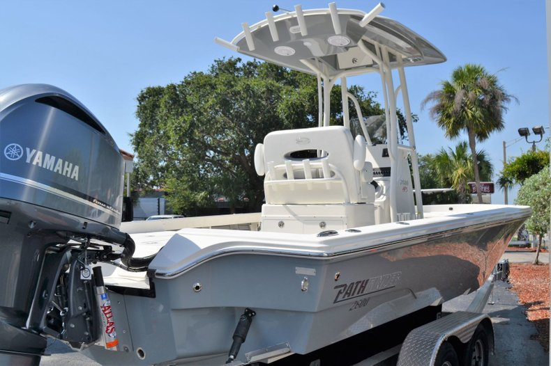 Thumbnail 7 for New 2019 Pathfinder 2600 HPS Bay Boat boat for sale in Vero Beach, FL