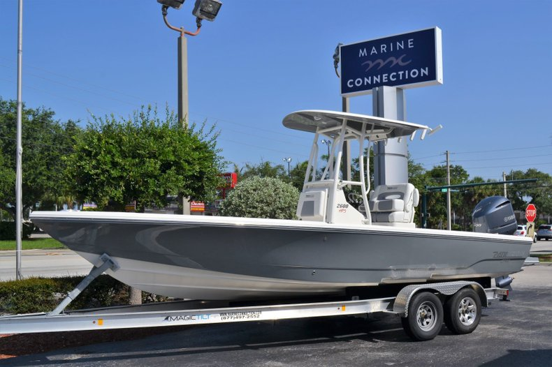 Photo for 2019 Pathfinder 2600 HPS Bay Boat