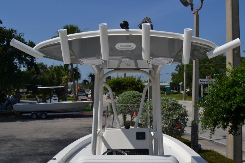 Thumbnail 11 for New 2019 Pathfinder 2600 HPS Bay Boat boat for sale in Vero Beach, FL