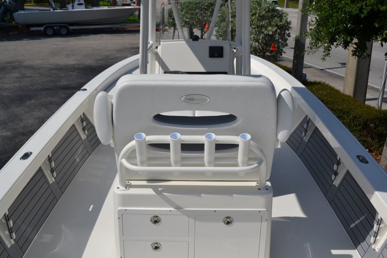 Thumbnail 10 for New 2019 Pathfinder 2600 HPS Bay Boat boat for sale in Vero Beach, FL