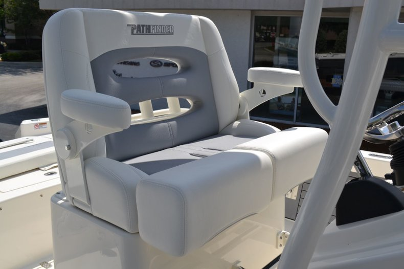 Thumbnail 18 for New 2019 Pathfinder 2600 HPS Bay Boat boat for sale in Vero Beach, FL