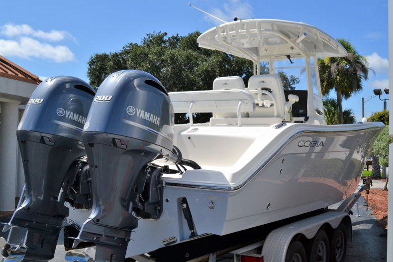 Thumbnail 4 for New 2020 Cobia 280 Center Console boat for sale in Fort Lauderdale, FL