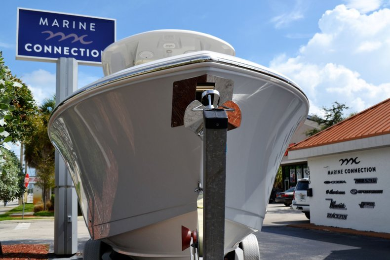 Thumbnail 2 for New 2020 Cobia 280 Center Console boat for sale in Fort Lauderdale, FL