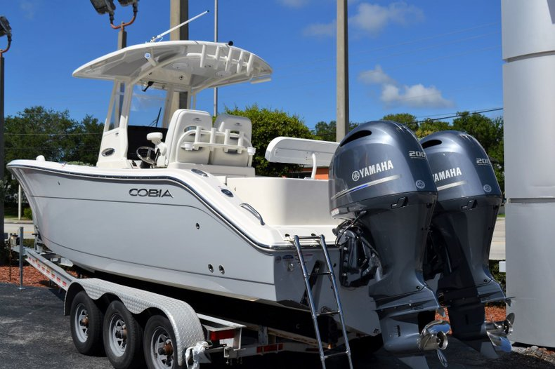 Thumbnail 3 for New 2020 Cobia 280 Center Console boat for sale in Fort Lauderdale, FL