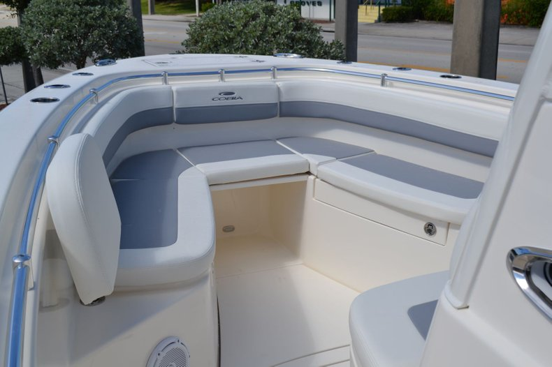 Thumbnail 12 for New 2020 Cobia 280 Center Console boat for sale in Fort Lauderdale, FL