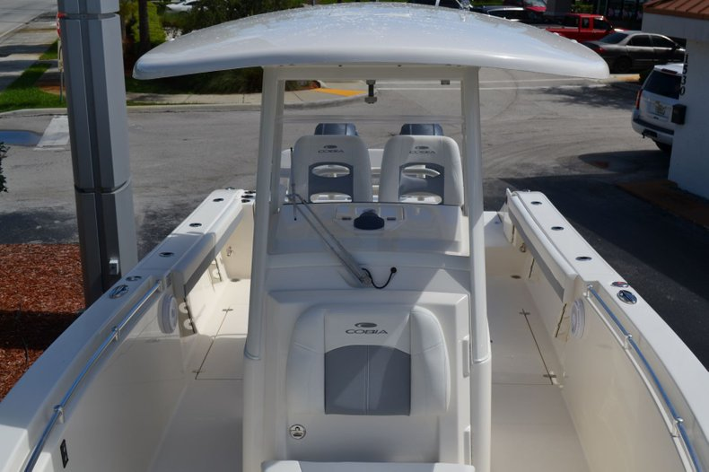 Thumbnail 16 for New 2020 Cobia 280 Center Console boat for sale in Fort Lauderdale, FL