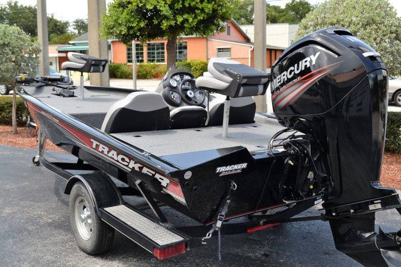 Thumbnail 3 for Used 2016 Tracker Pro 190 TX boat for sale in Vero Beach, FL