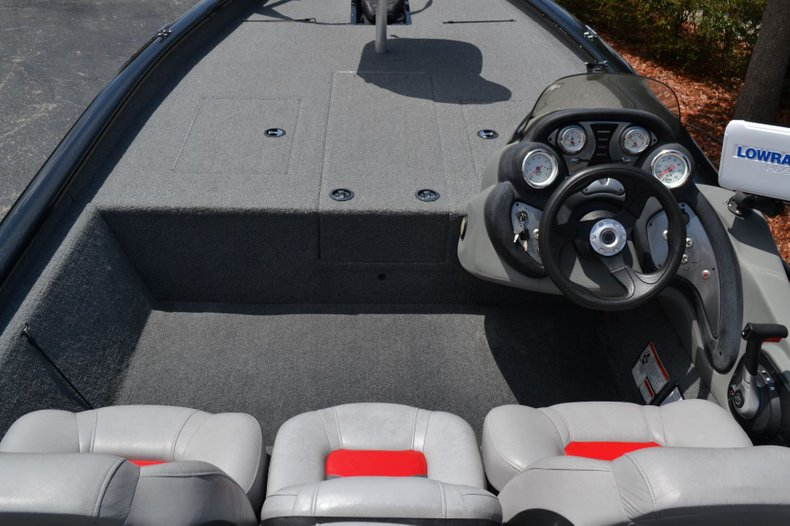 Thumbnail 8 for Used 2016 Tracker Pro 190 TX boat for sale in Vero Beach, FL