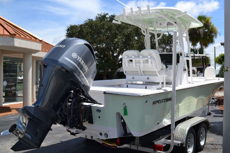 Thumbnail 4 for New 2020 Sportsman Masters 247 Bay Boat boat for sale in Fort Lauderdale, FL