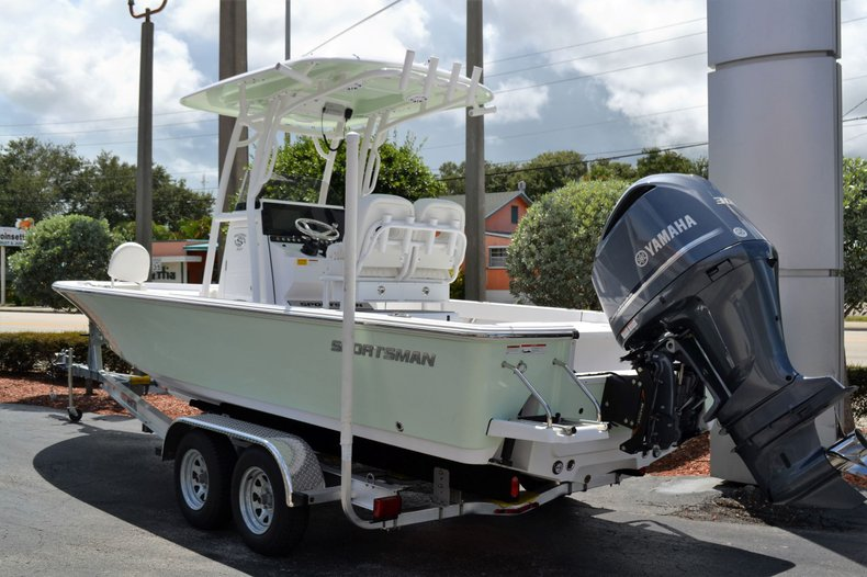 Thumbnail 2 for New 2020 Sportsman Masters 247 Bay Boat boat for sale in Fort Lauderdale, FL