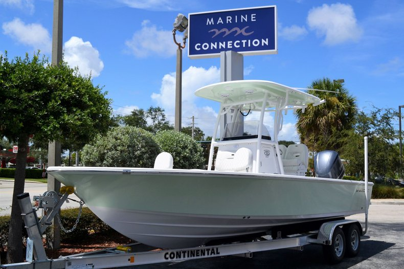 Thumbnail 1 for New 2020 Sportsman Masters 247 Bay Boat boat for sale in Fort Lauderdale, FL