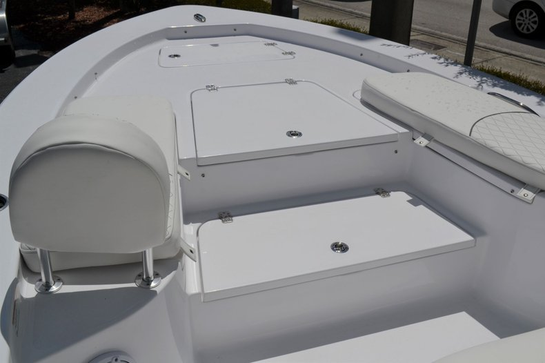 Thumbnail 13 for New 2020 Sportsman Masters 247 Bay Boat boat for sale in Fort Lauderdale, FL