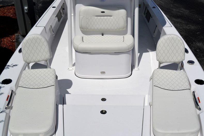 Thumbnail 14 for New 2020 Sportsman Masters 247 Bay Boat boat for sale in Fort Lauderdale, FL