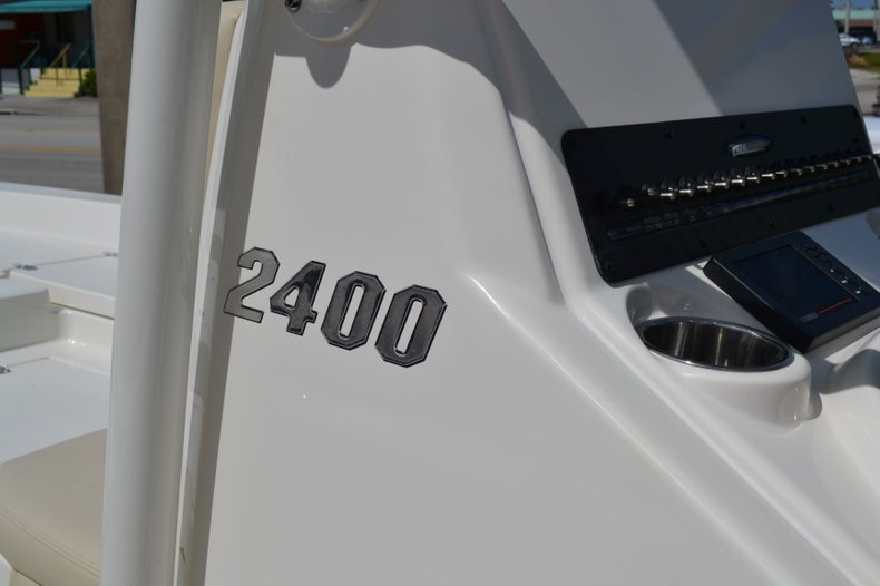 Thumbnail 10 for New 2020 Pathfinder 2400 TRS Bay Boat boat for sale in Vero Beach, FL