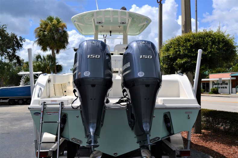 Thumbnail 4 for New 2020 Cobia 262 Center Console boat for sale in Vero Beach, FL