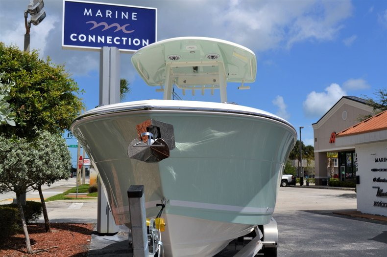 Thumbnail 2 for New 2020 Cobia 262 Center Console boat for sale in Vero Beach, FL