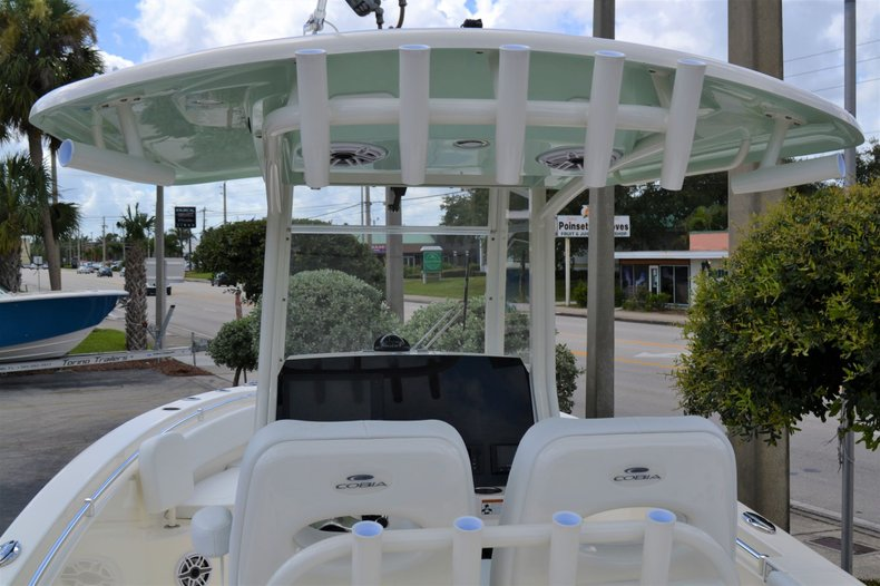 Thumbnail 11 for New 2020 Cobia 262 Center Console boat for sale in Vero Beach, FL