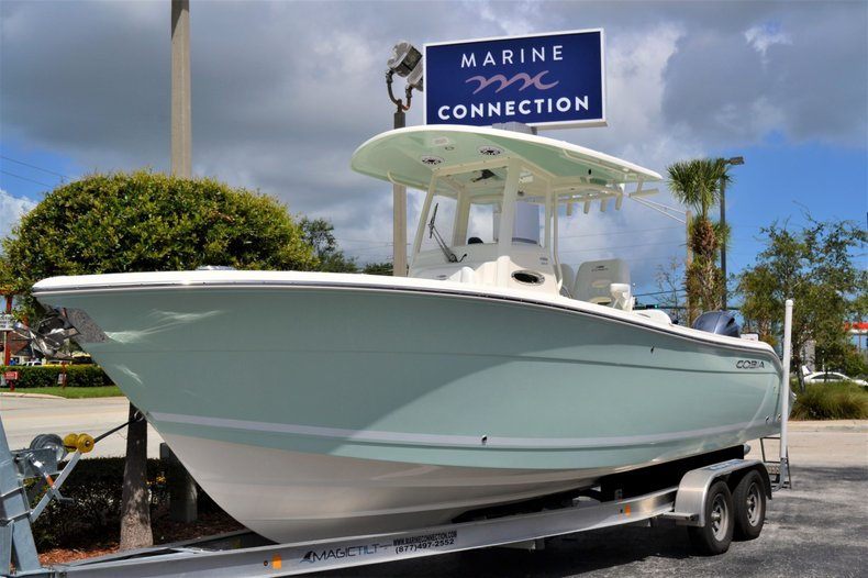 Thumbnail 1 for New 2020 Cobia 262 Center Console boat for sale in Vero Beach, FL