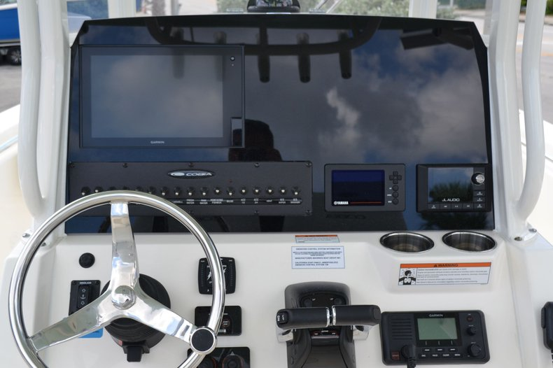 Thumbnail 12 for New 2020 Cobia 262 Center Console boat for sale in Vero Beach, FL