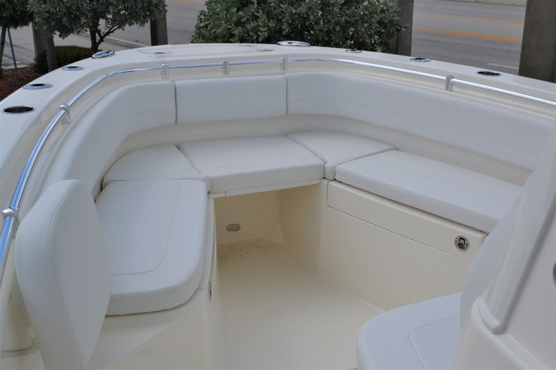 Thumbnail 15 for New 2020 Cobia 262 Center Console boat for sale in Vero Beach, FL