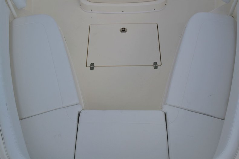 Thumbnail 17 for New 2020 Cobia 262 Center Console boat for sale in Vero Beach, FL