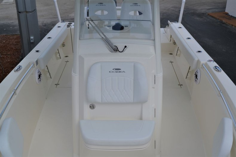 Thumbnail 16 for New 2020 Cobia 262 Center Console boat for sale in Vero Beach, FL