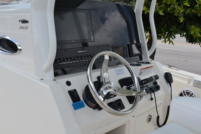 Thumbnail 31 for New 2020 Cobia 262 Center Console boat for sale in Vero Beach, FL