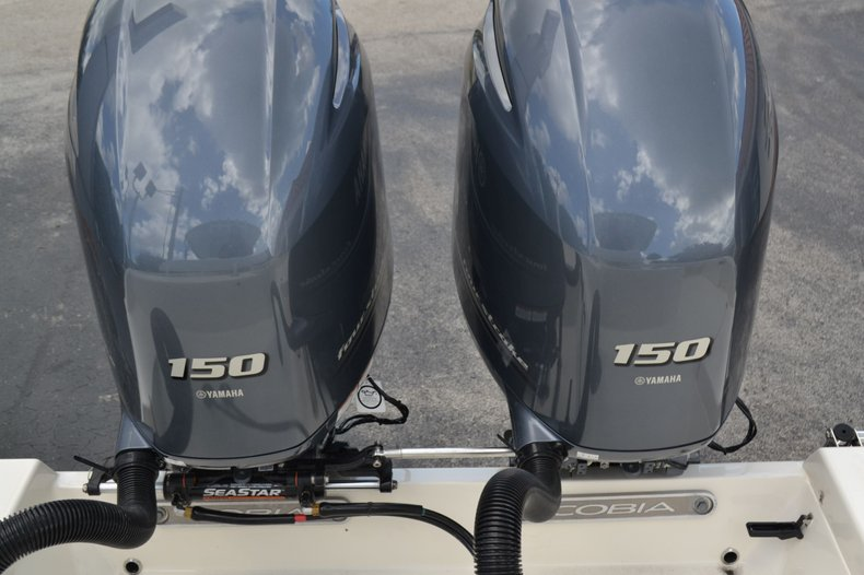 Thumbnail 30 for New 2020 Cobia 262 Center Console boat for sale in Vero Beach, FL