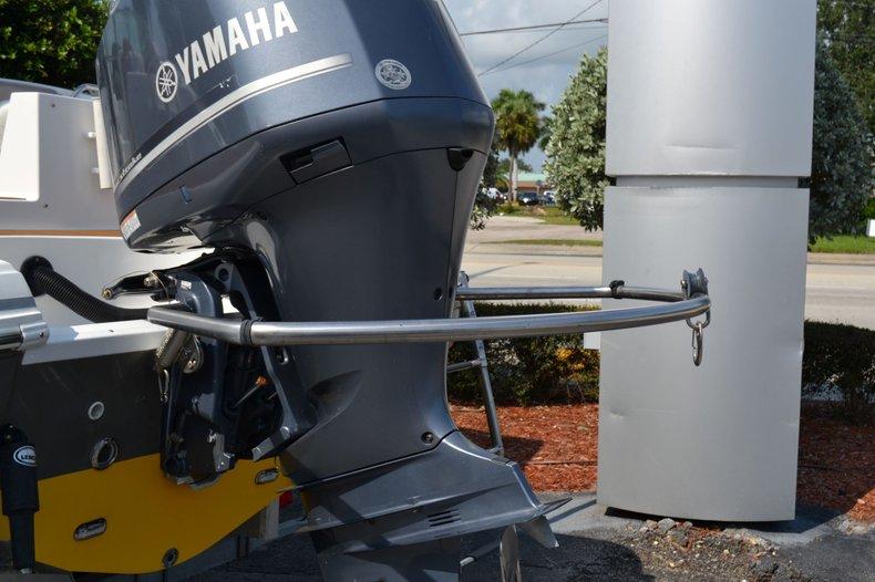 Thumbnail 8 for Used 2014 Hurricane SunDeck SD 2690 OB boat for sale in Vero Beach, FL