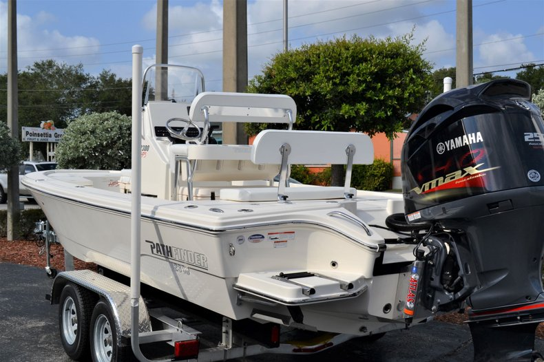 Thumbnail 3 for New 2020 Pathfinder 2300 HPS Bay Boat boat for sale in Vero Beach, FL