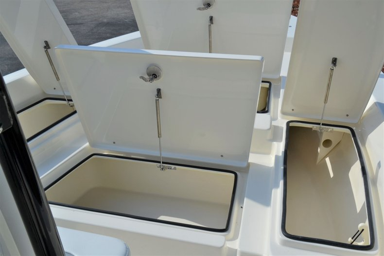 Thumbnail 21 for New 2020 Pathfinder 2400 TRS Bay Boat boat for sale in Vero Beach, FL