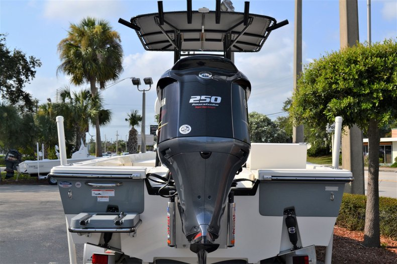 Thumbnail 5 for New 2020 Pathfinder 2400 TRS Bay Boat boat for sale in Vero Beach, FL