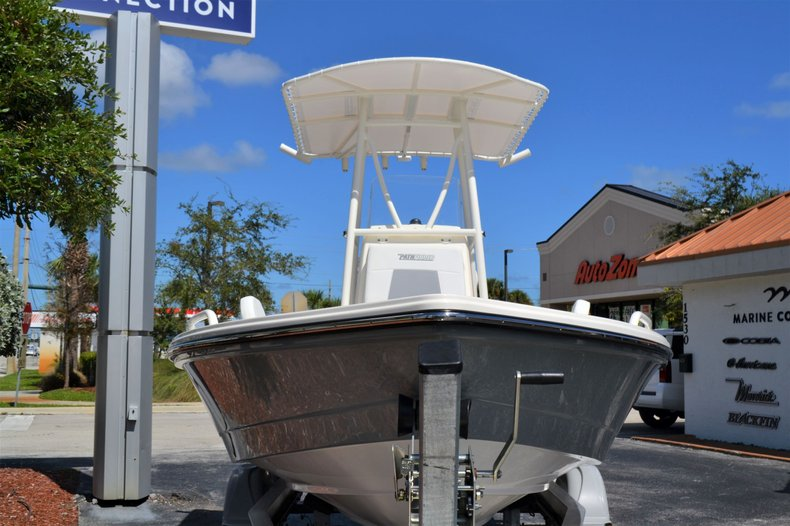 Thumbnail 2 for New 2020 Pathfinder 2200 TRS Bay Boat boat for sale in Vero Beach, FL