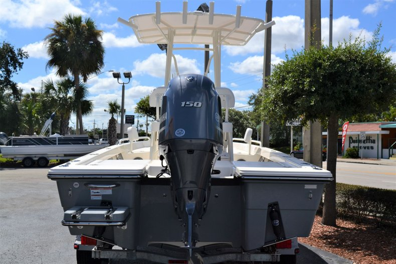 Thumbnail 4 for New 2020 Pathfinder 2200 TRS Bay Boat boat for sale in Vero Beach, FL