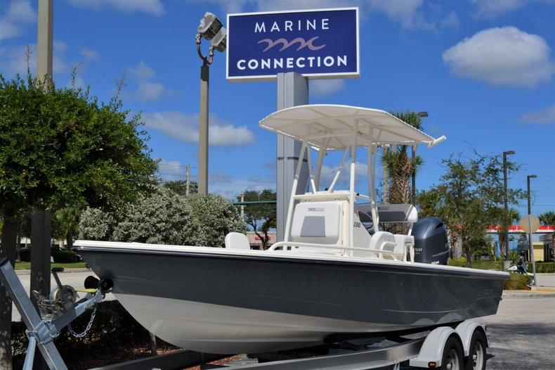 Thumbnail 1 for New 2020 Pathfinder 2200 TRS Bay Boat boat for sale in Vero Beach, FL