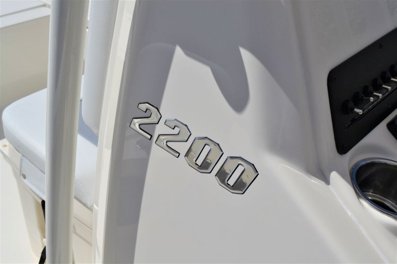 Thumbnail 12 for New 2020 Pathfinder 2200 TRS Bay Boat boat for sale in Vero Beach, FL