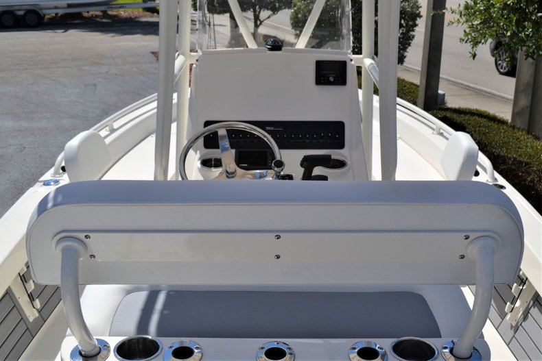 Thumbnail 9 for New 2020 Pathfinder 2200 TRS Bay Boat boat for sale in Vero Beach, FL
