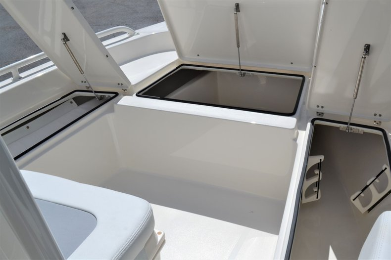 Thumbnail 17 for New 2020 Pathfinder 2200 TRS Bay Boat boat for sale in Vero Beach, FL