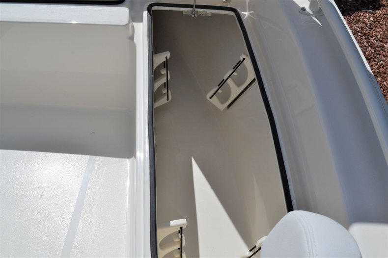 Thumbnail 16 for New 2020 Pathfinder 2200 TRS Bay Boat boat for sale in Vero Beach, FL