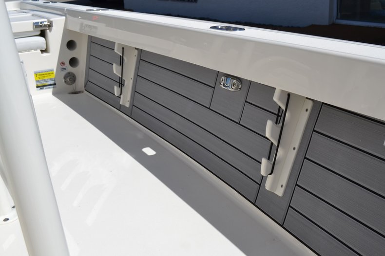 Thumbnail 20 for New 2020 Pathfinder 2200 TRS Bay Boat boat for sale in Vero Beach, FL