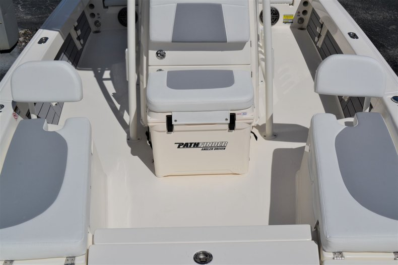 Thumbnail 18 for New 2020 Pathfinder 2200 TRS Bay Boat boat for sale in Vero Beach, FL