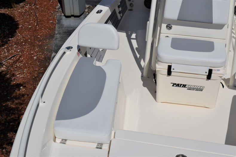 Thumbnail 19 for New 2020 Pathfinder 2200 TRS Bay Boat boat for sale in Vero Beach, FL