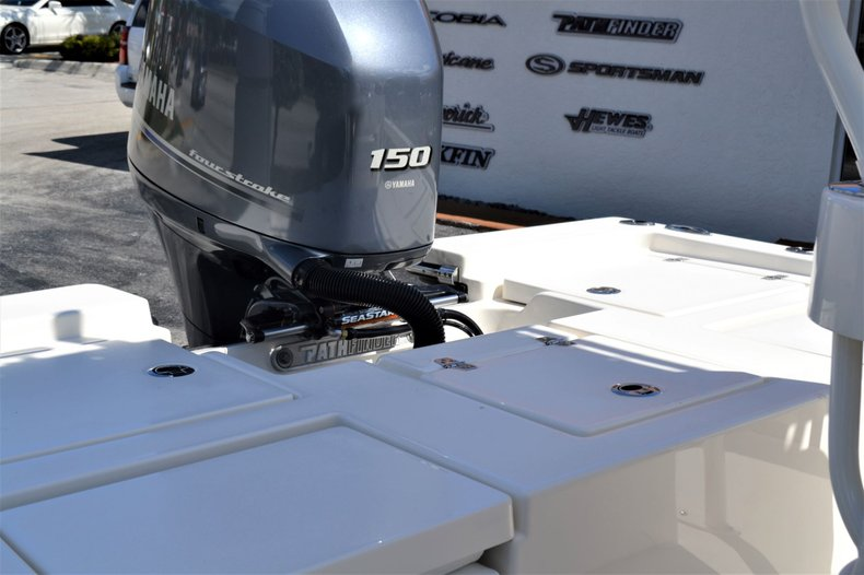 Thumbnail 24 for New 2020 Pathfinder 2200 TRS Bay Boat boat for sale in Vero Beach, FL